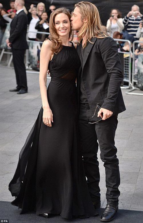 Tiếc nuối ngắm khoảnh khắc thời trang của Jolie - Pitt - 9