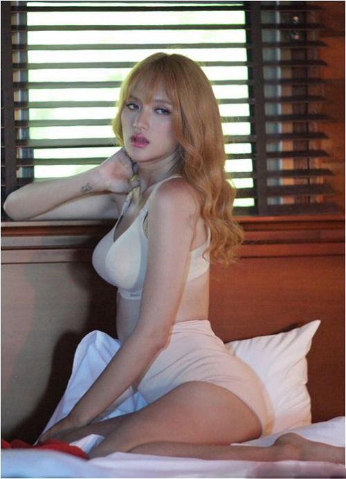 """Hương Giang Idol ngày càng """"nóng"""" với váy áo táo bạo - 13"""