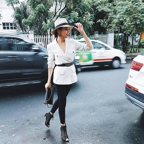 Mỹ nữ Việt ăn vận khỏe khoắn, sành điệu dạo phố - 1