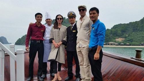 Những kỷ niệm đẹp của Jolie-Pitt trong 4 lần đến Việt Nam - 7