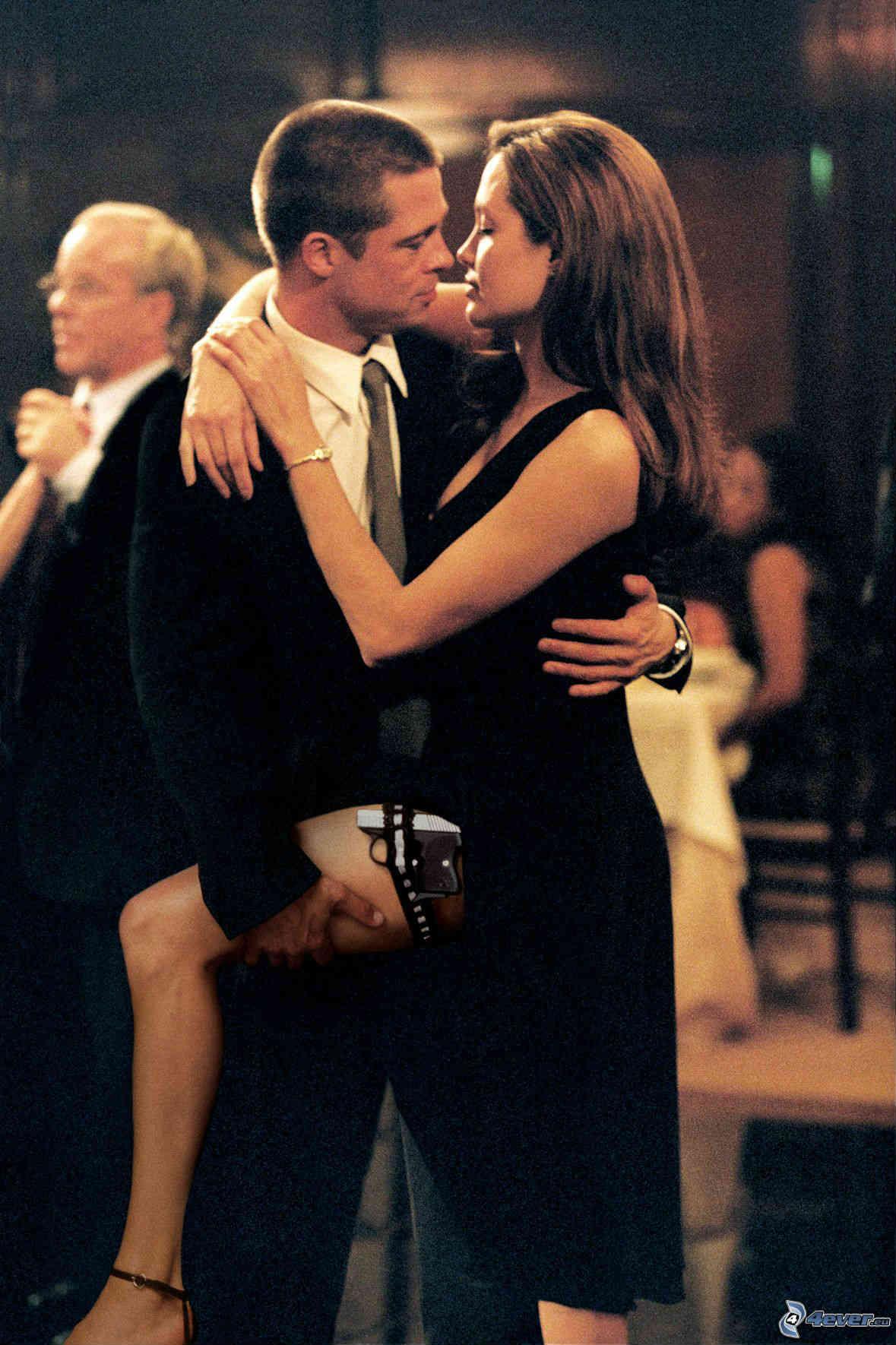 """Chuyện tình của """"cặp đôi thế kỷ"""" thăng trầm như phim - 1"""