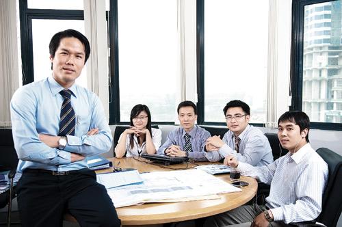 """CEO Group """"mở rộng cửa, đón nhân tài"""" - 1"""