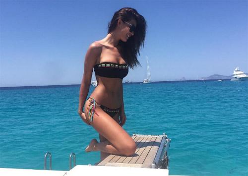 Người tình tin đồn mới của CR7 sexy không thua Irina Shayk - 11