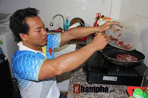 HCV Paralympic Lê Văn Công & niềm vui bình dị - 4