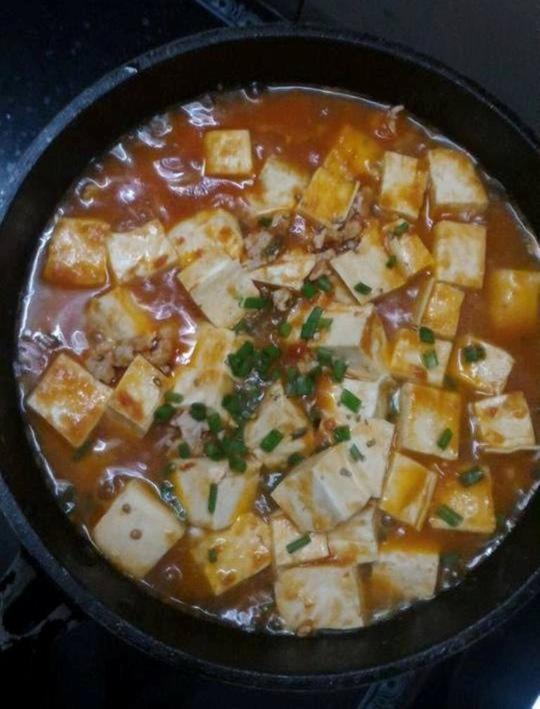 Bữa trưa giản tiện với đậu hũ non sốt chua cay - 1
