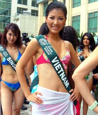 """Ảnh bikini """"hot"""" của 8 người đẹp từng thi Miss Earth - 4"""