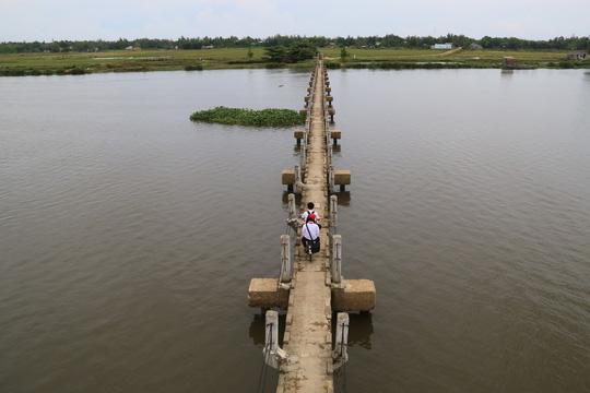 """Hàng chục người vĩnh viễn ra đi tại cầu """"vĩnh biệt"""" - 1"""