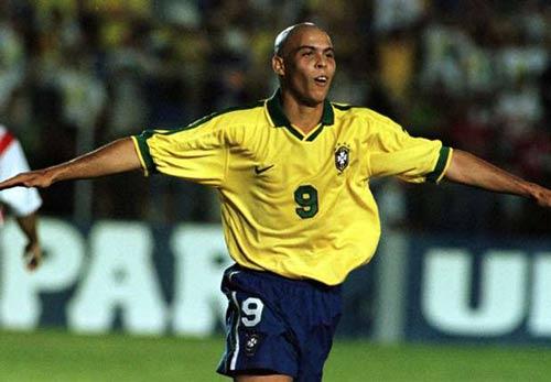 """""""Số 9"""" vĩ đại nhất: Ronaldo đấu Romario, Batistuta - 1"""