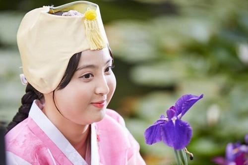 Màn hô biến mỹ nữ thành nàng béo mũm mĩm trong phim Hàn - 1