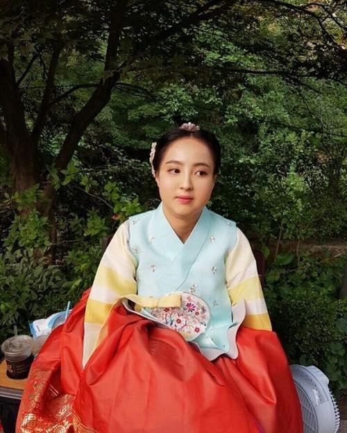 Màn hô biến mỹ nữ thành nàng béo mũm mĩm trong phim Hàn - 8