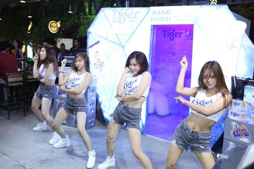 Giới trẻ Hà Nội thích thú với chuỗi hoạt động mát lạnh sảng khoái - 5