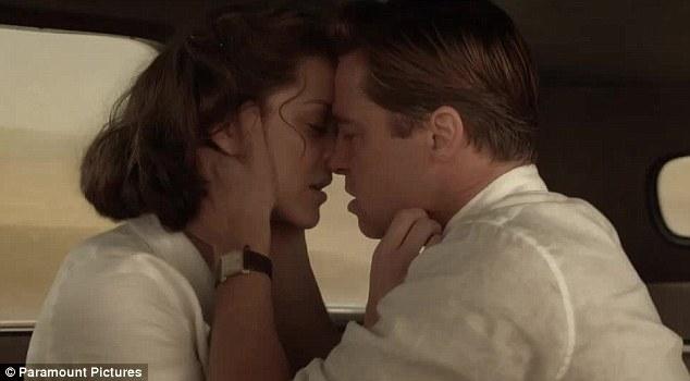 """""""Người thứ 3"""" trong vụ ly hôn của Brad Pitt đang mang thai? - 3"""