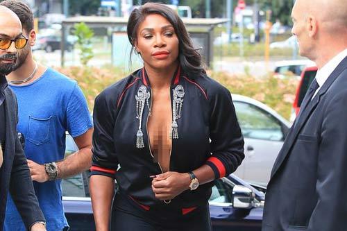 """Serena Williams """"hở bạo"""" đi dự sự kiện - 2"""