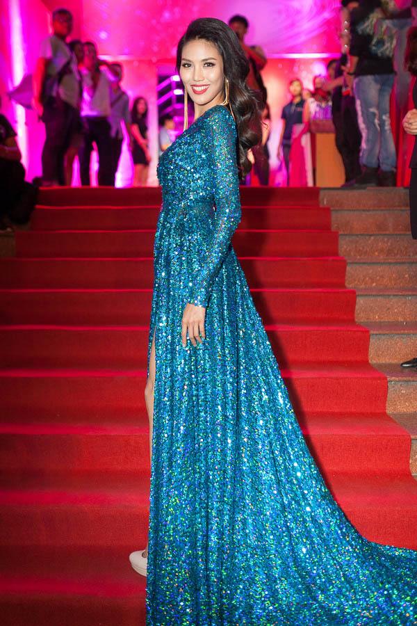 Sau The Face, Lan Khuê lại hút fan với Miss thời trang - 5