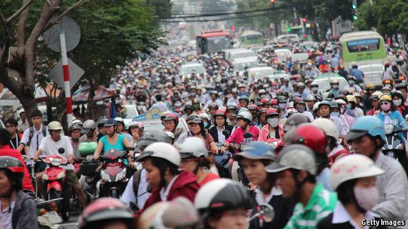"""Báo Anh: Lái xe ở Việt Nam còn """"hơn cả ác mộng"""" - 1"""