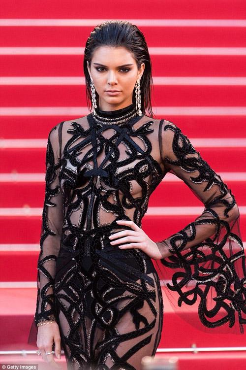 """Kendall Jenner đi đầu phong trào """"thả rông"""" ở Hollywood - 5"""