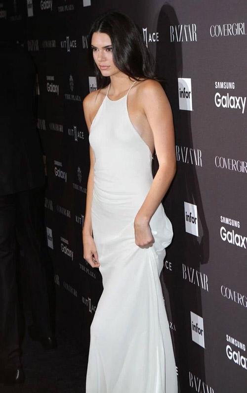 """Kendall Jenner đi đầu phong trào """"thả rông"""" ở Hollywood - 9"""