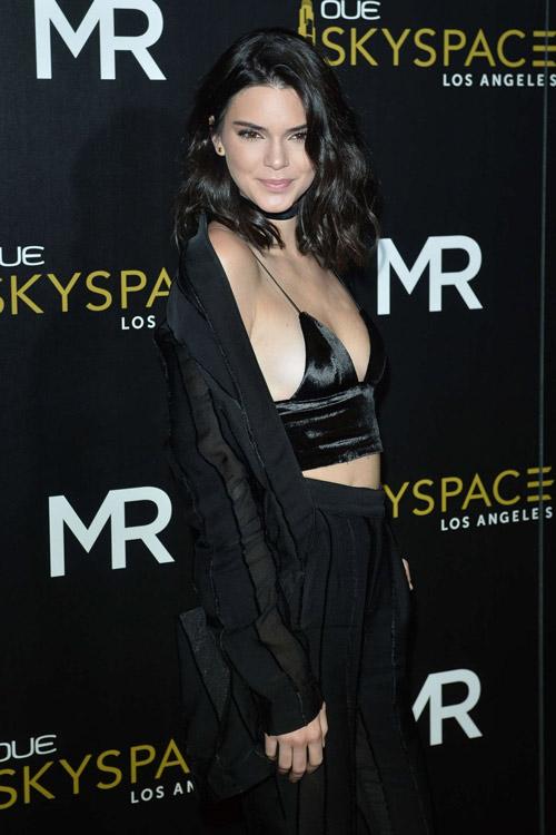 """Kendall Jenner đi đầu phong trào """"thả rông"""" ở Hollywood - 12"""