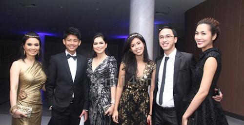 Đọ vóc dáng Tăng Thanh Hà và mẹ chồng hơn 16 tuổi - 2