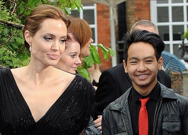 Những bộ phim giúp Jolie-Pitt quên nỗi buồn vụ ly hôn - 3