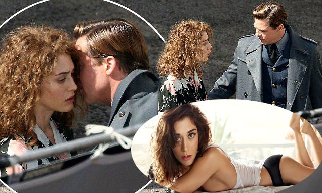Những bộ phim giúp Jolie-Pitt quên nỗi buồn vụ ly hôn - 10