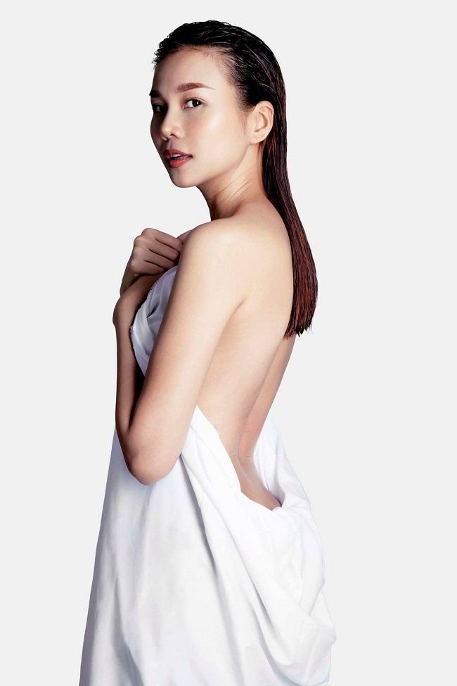 1. Siêu mẫu Thanh Hằng: Sau khi đăng quang Hoa hậu báo Phụ nữ Việt Nam qua ảnh năm 2002, cô bước chân vào nghề người mẫu chuyên nghiệp. Cô được mời làm giám khảo Người mẫu Việt Nam - Vietnam ' s Next Top Model mùa 4, mùa 6, mùa 7 (năm 2016).