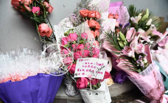 Nghìn fan bật khóc tại đám tang của bạn diễn Lưu Diệc Phi - 12