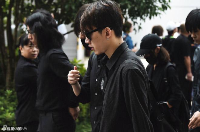 Nghìn fan bật khóc tại đám tang của bạn diễn Lưu Diệc Phi - 11