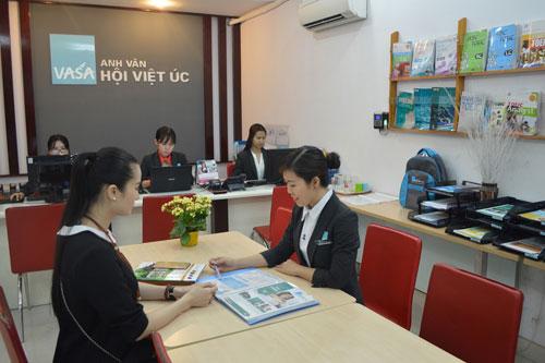 Hoa hậu đầu tiên trải nghiệm English 6S Plus tại Việt Nam - 2