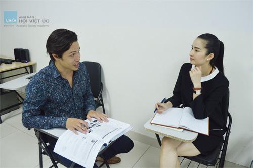 Hoa hậu đầu tiên trải nghiệm English 6S Plus tại Việt Nam - 3