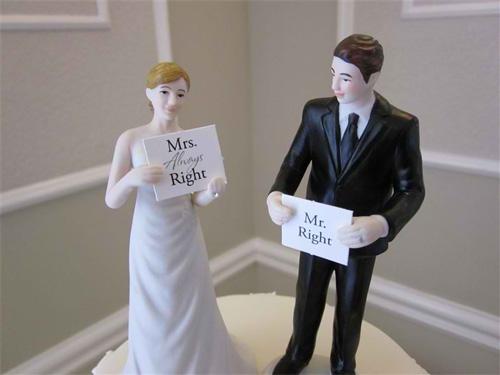 Thông điệp hài hước từ những chiếc bánh cưới - 10