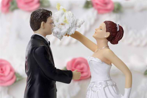 Thông điệp hài hước từ những chiếc bánh cưới - 12