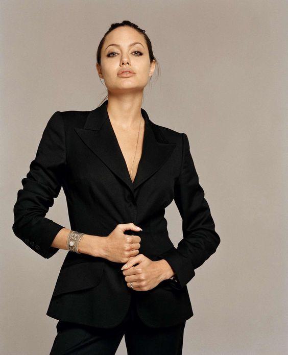 Nữ quyền quá mạnh, Jolie khiến Brad Pitt mệt mỏi, sợ hãi? - 2