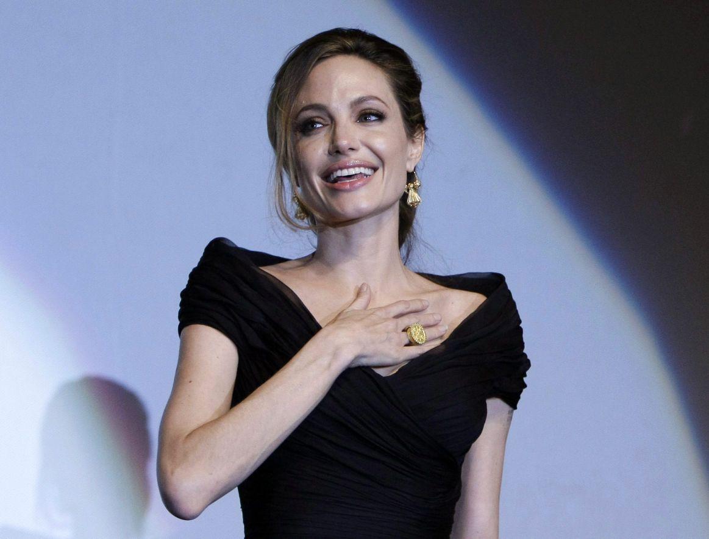 Nữ quyền quá mạnh, Jolie khiến Brad Pitt mệt mỏi, sợ hãi? - 7