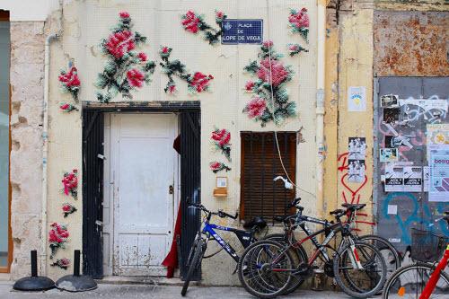 """Lạ kỳ những bức tường """"đan len"""" ở Tây Ban Nha - 2"""
