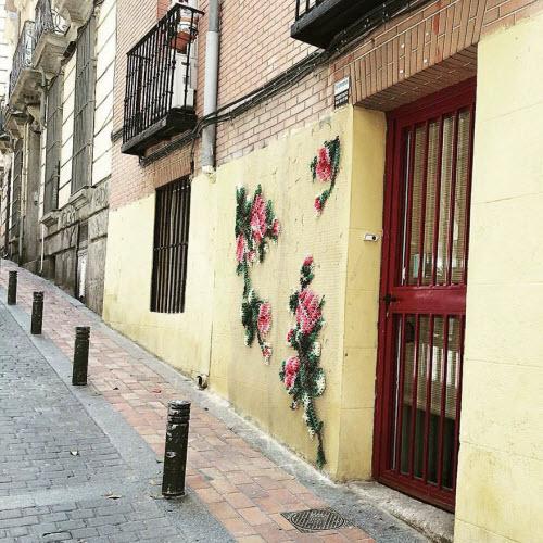 """Lạ kỳ những bức tường """"đan len"""" ở Tây Ban Nha - 6"""