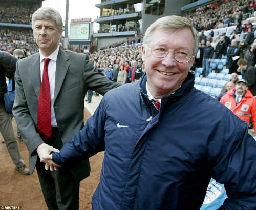 """20 năm Wenger ở Arsenal: Công thần hay """"ăn mày dĩ vãng"""" - 2"""