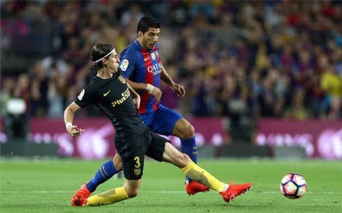 Đạp chảy máu chân đối thủ, Suarez quyết không xin lỗi - 1