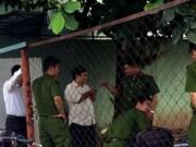 Video An ninh - Chồng đâm chết vợ say rượu rồi cố thủ trong nhà