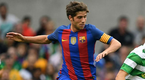 """Barca: Đã có """"Alves đệ nhị"""", cần gì Bellerin - 1"""