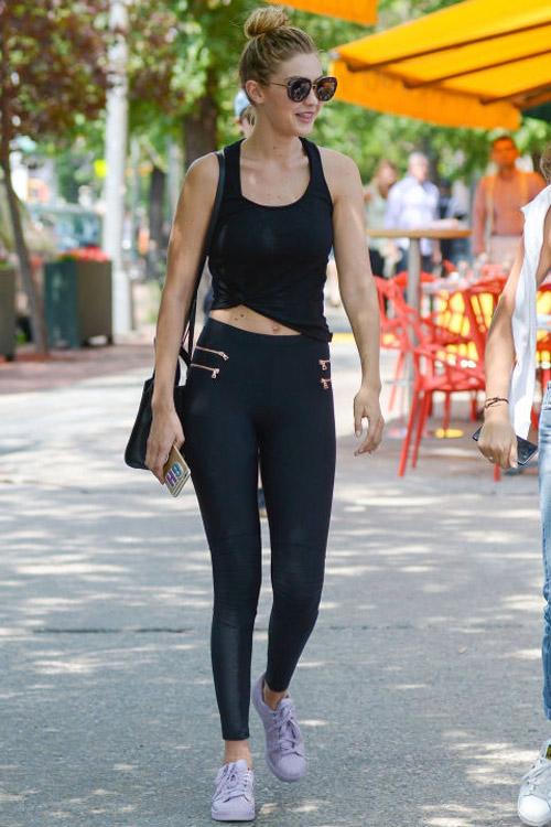 """Đẳng cấp khoe chân """"kiếm Nhật"""" của hot girl Hollywood - 16"""