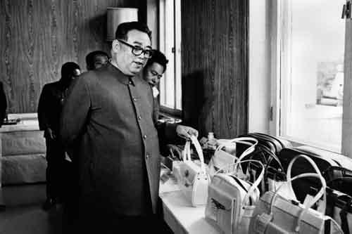 Kim Jong-un khác cha, giống ông nội thế nào - 4