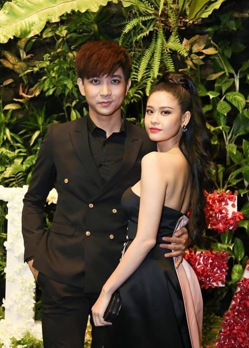 Choáng khi lột sạch son phấn vợ chồng Trương Quỳnh Anh - 1