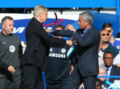 """Mourinho từng muốn """"tung chưởng"""" vào mặt Wenger - 1"""