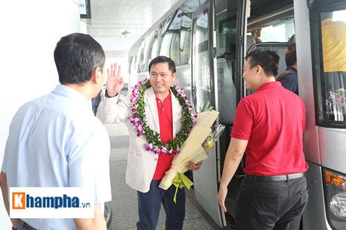 ĐT futsal Việt Nam về nước được thưởng nóng 1,5 tỷ đồng - 12