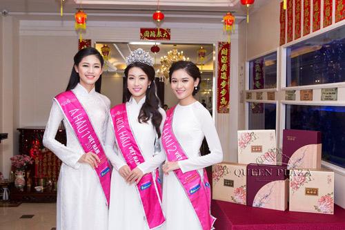 HH Đỗ Mỹ Linh khoe sắc rạng ngời cùng Á hậu Thanh Tú, Thùy Dung tại Queen Plaza - 1