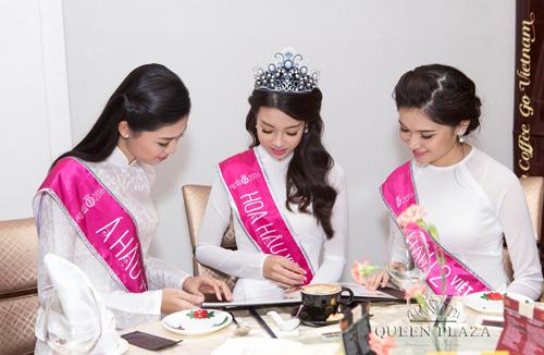 HH Đỗ Mỹ Linh khoe sắc rạng ngời cùng Á hậu Thanh Tú, Thùy Dung tại Queen Plaza - 5