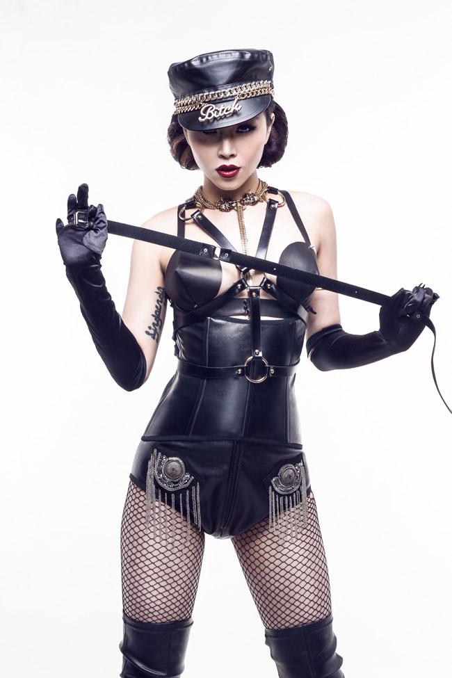 """Mướt mắt ngắm gu mặc """"bốc lửa"""" của 3 nữ DJ Việt - 1"""