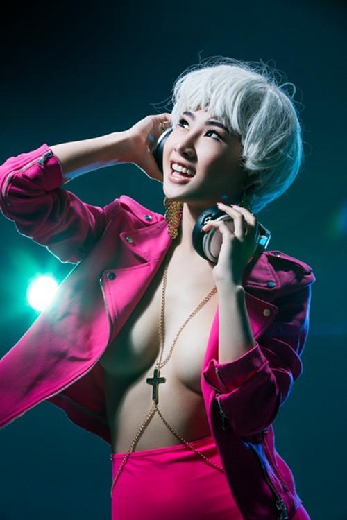 """Mướt mắt ngắm gu mặc """"bốc lửa"""" của 3 nữ DJ Việt - 9"""