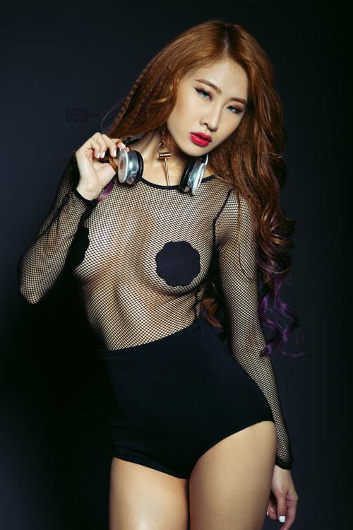 """Mướt mắt ngắm gu mặc """"bốc lửa"""" của 3 nữ DJ Việt - 6"""